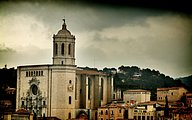 Amazing Spain : HDR Girona ancient town wallpapers34 pics